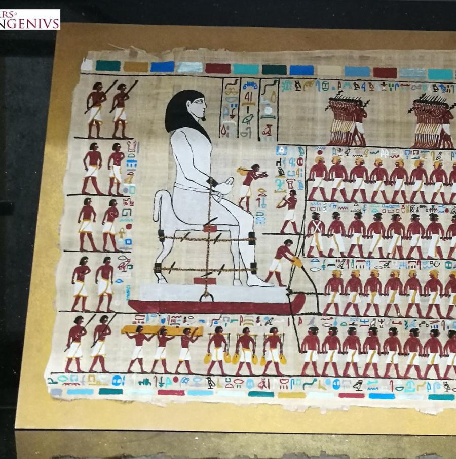 El movimiento de una estatua.Egipto